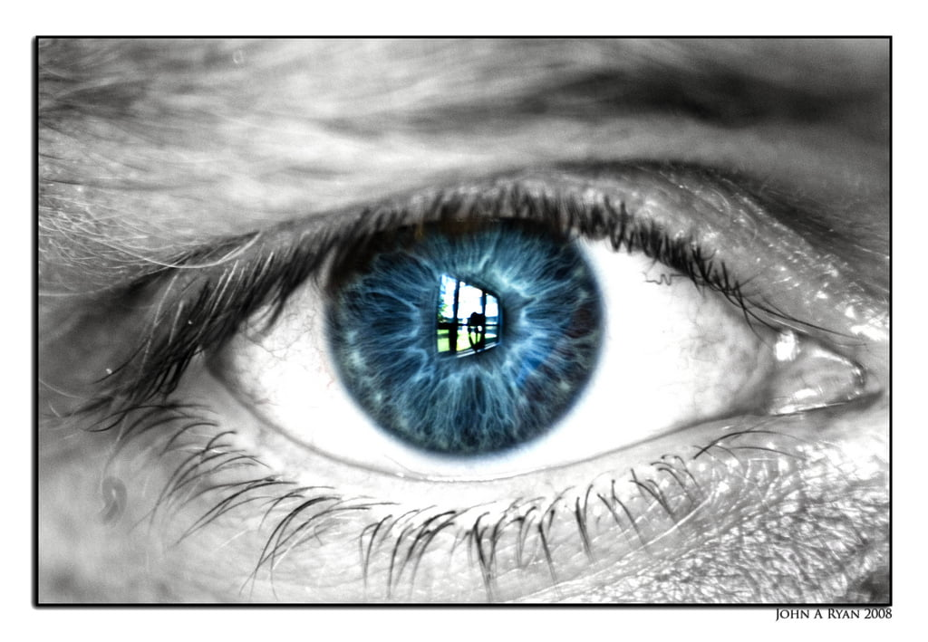 Technology News: The Samsung S4 Will Track Your Eyes With Israeli Technology via Bigstock