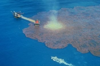 oil_well_blowout spill