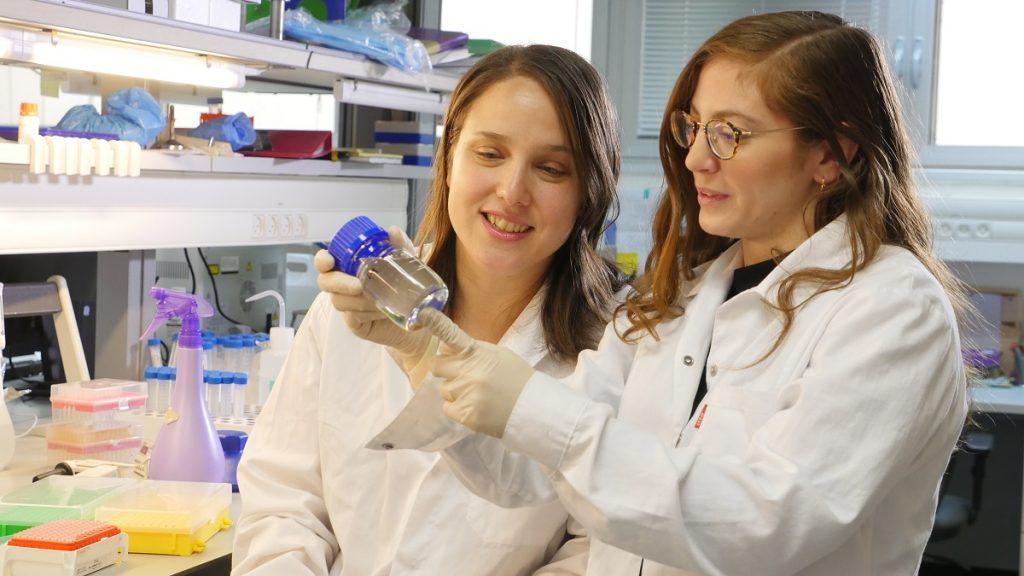 Doctoral students Tamar Ben-Shaanan (left) and Maya Schiller. Photo by Rami Shlush, Technion Spokesperson's office