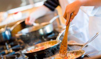 An illustrative photo of a cooking class. Deposit Photos