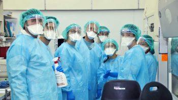 Tel Aviv University volunteers at the Tel Aviv Sourasky Medical Center. Courtesy
