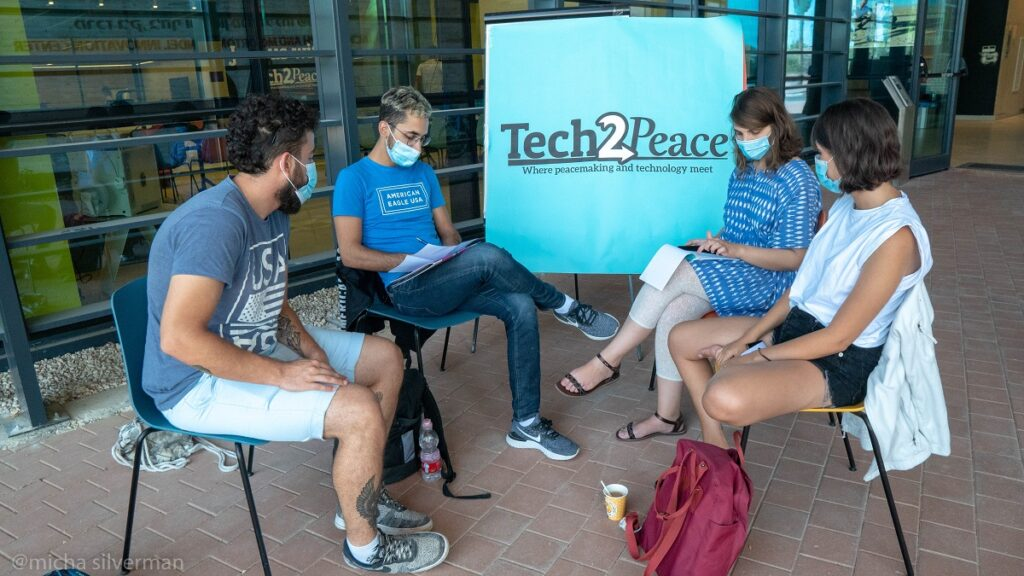 Israelis and Palestinians participate in a Tech2Peace session in Yerucham, August 2020. Photo: Micha Silverman- Tech2Peace