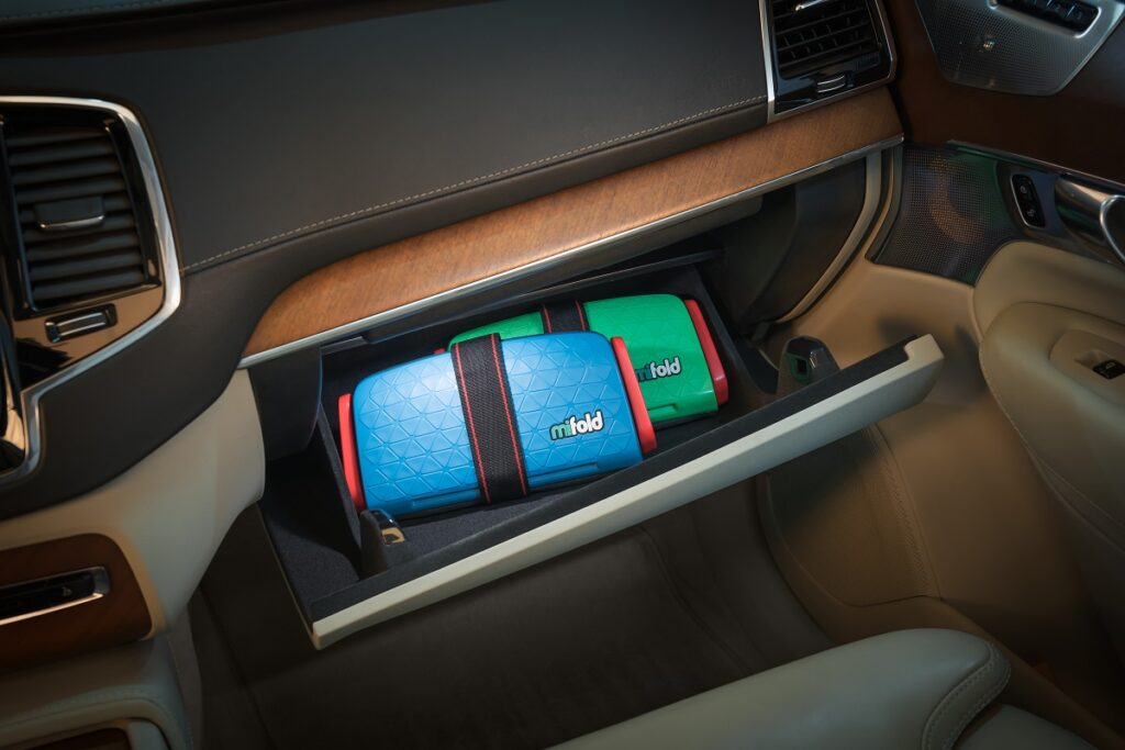 Mifold booster seats in the glove compartment. Courtesy
