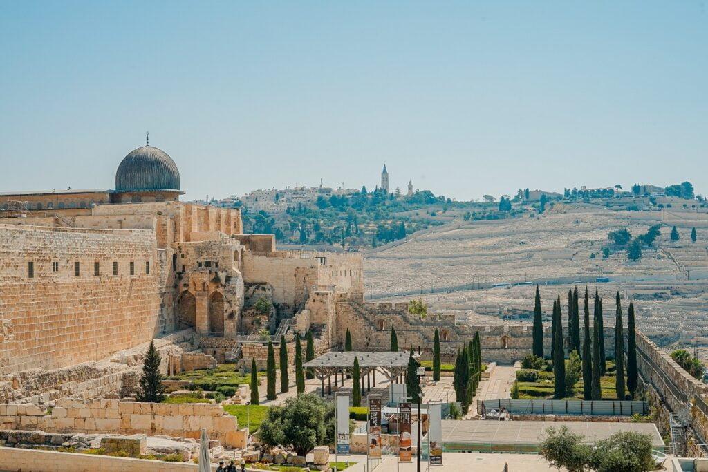 Jerusalem. Photo by Toa Heftiba on Unsplash