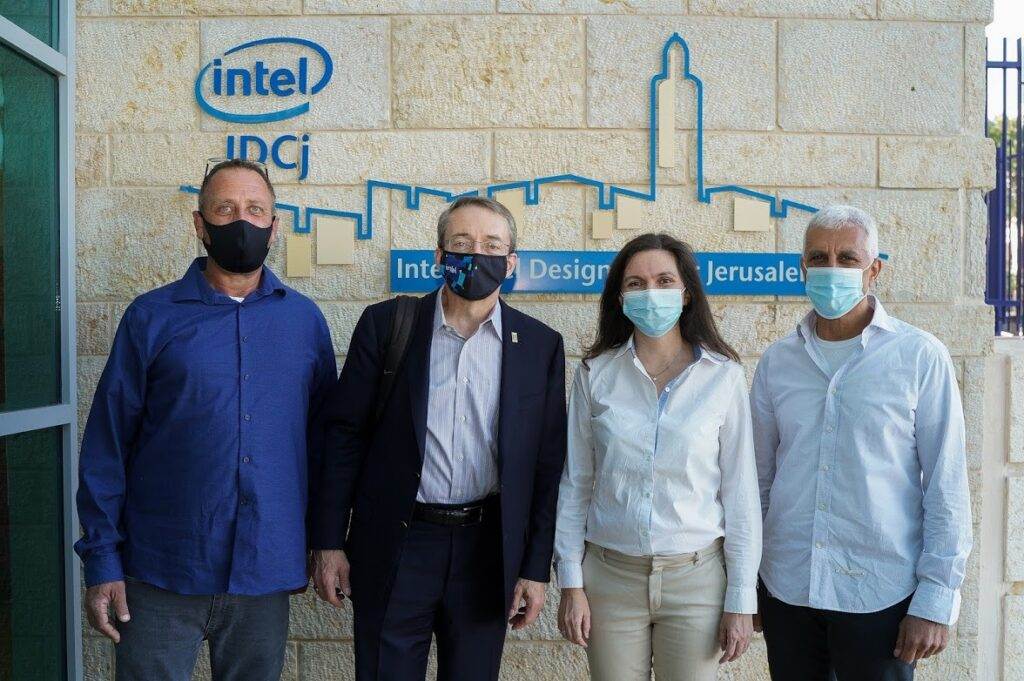 Intel Israel's management team meets with Pat Gelsinger, Intel CEO, during his visit to Jerusalem on May 2, 2021.Standing left to right: Yaniv Garty, Intel Israel General Manager, Pat Gelsinger, Intel CEO, Karin Eibschitz-Segal General Manager of Intel Validation Engineering & Intel Israel Development Center, and Daniel Ben Atar, Factory Sort Manufacturing co General Manager. Courtesy
