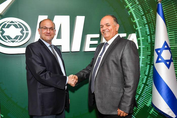 Dr. Shlomi Codish, left, director general of the Soroka Medical Center, and Yoav Turgeman, vice president of IAI and CEO of ELTA, at the ceremony for the signing of the partnership agreement. Photo: IAI