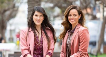 Co-founders of Israeli VC firm iAngels, Mor Assia, left, and Shelly Moyal, right. Photo: Efi Sameach